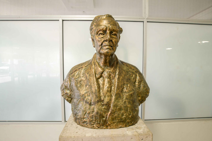 El busto del General fue hecho en 1964 por el escultor Kiyoshi Takahashi