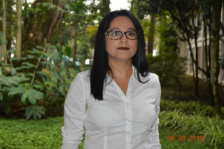 Desde hace 15 años Adriana Lucero Raya Guillén está dedicada a la paleografía