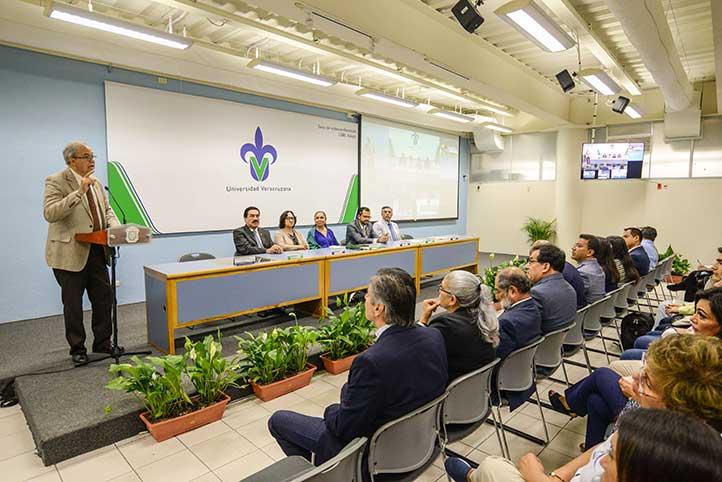 Mario Oliva, titular de la DGRI, recordó que la movilidad es una prioridad de la máxima casa de estudios