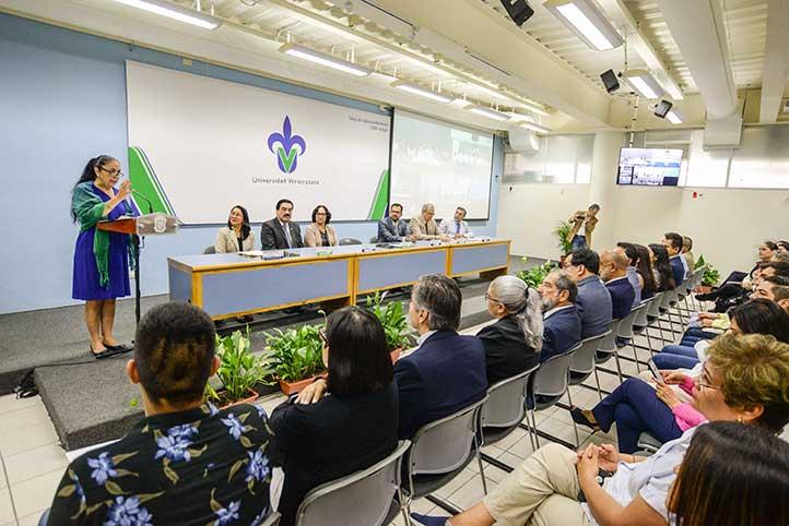 La Rectora destacó la colaboración que se realiza cotidianamente de manera virtual con académicos extranjeros