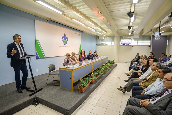 Ángel Trigos Landa, director general de Investigaciones, inauguró el 2º Coloquio de Investigación en Ciencias de la Salud