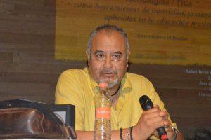 Javier Flores Mávil