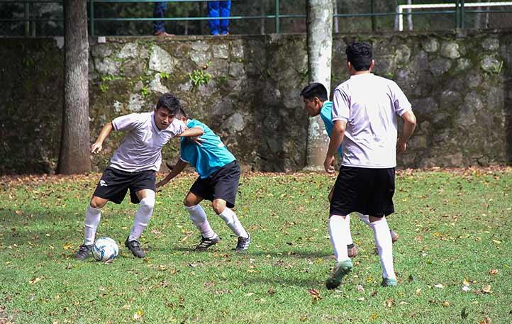 Candente jornada en el futbol varonil