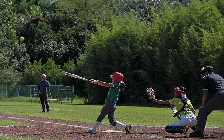 Coatzacoalcos-Minatitlán venció 17-7 a Xalapa en softbol femenil