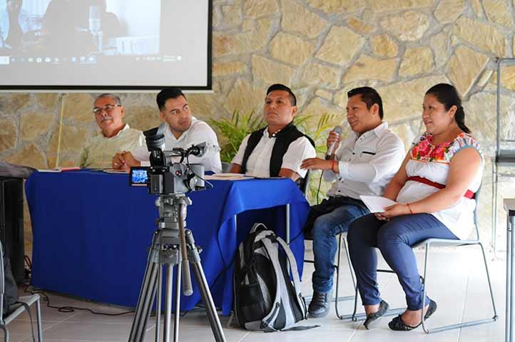 Se contó con la participación de intelectuales regionales y especialistas de la UV, Inali y Aveli