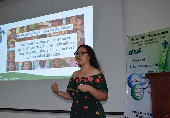 Mariana Lizbeth Redondo, de Ingeniería Electrónica y Comunicaciones