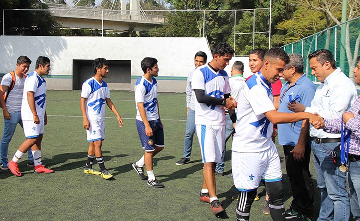 Los equipos de Administración y Contaduría, campeón y subcampeón del Interfacultades de Futbol Rápido