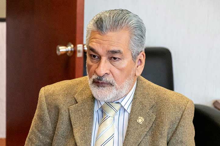 Alberto Islas Reyes, abogado general de la UV, participó en el XII Seminario de la Rejup