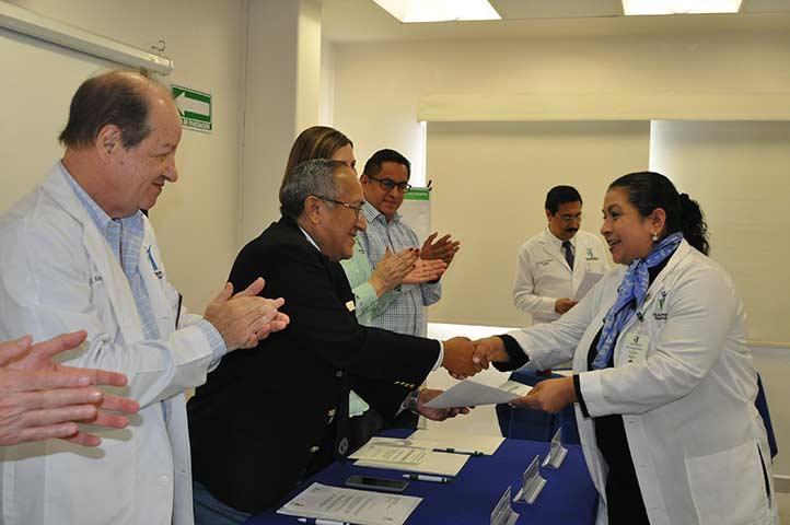 La CUSRS entregó reconocimientos a su personal de laboratorio
