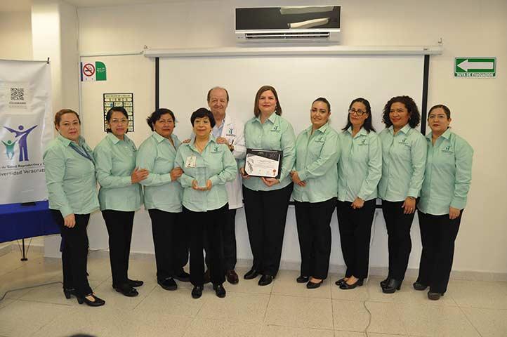 El Programa de Aseguramiento de la Calidad entregó el galardón Rey Pacal 2019-2020 a la CUSRS