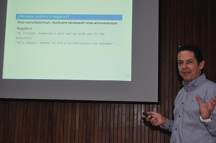 Mario Graff, académico del Infotec, habló sobre los algoritmos bioinspirados