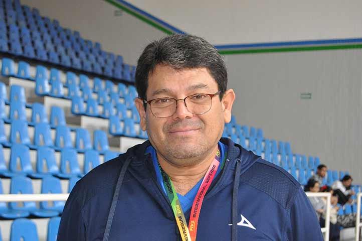 Armando Navarrete Munguía, entrenador de voleibol.