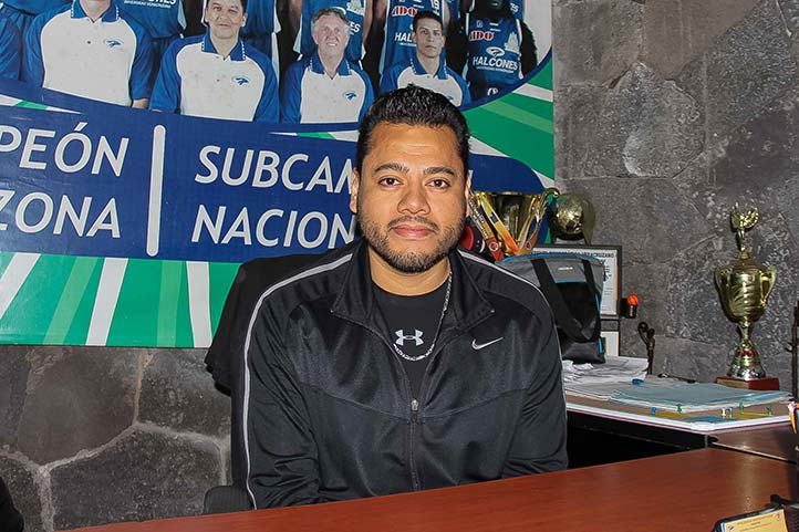 Néstor Hernández Flores