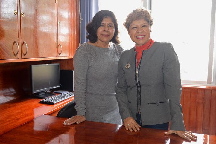 Ruth Angélica Landa y Yolanda Méndez, del cuerpo académico Enfermería, Educación y Comunicación