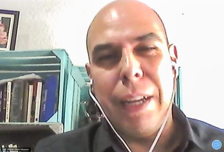 """Rubén Darío Vázquez Romero, de la UNAM, dictó la conferencia """"Infodemia, la enfermedad de la información"""""""