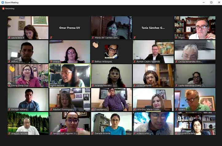 Docentes de escuelas normales de Veracruz participan en el evento que ofrece de manera virtual la UV