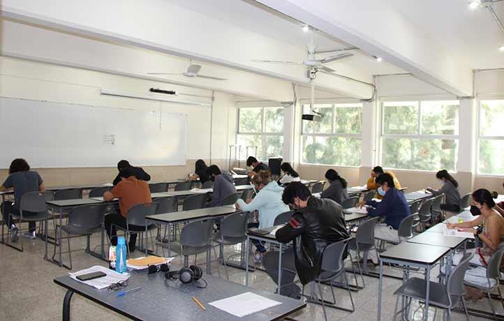 En la FCA se habilitaron 30 aulas para la aplicación del examen, donde participan diariamente 484 aspirantes
