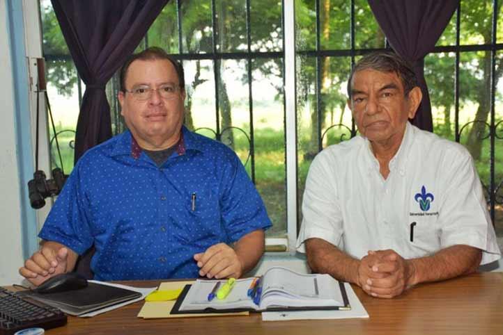 Manuel Espinosa y Roberto Castillo, académicos de la FMVZ, consiguieron la patente
