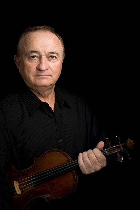Mikhail Medvid dijo que los músicos continúan ensayando a la distancia y de manera virtual