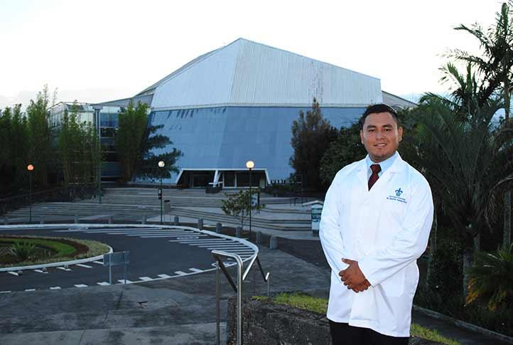 Mauricio Valencia Pérez es egresado de la Facultad de Bioanálisis de la UV