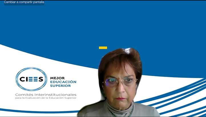 Rocío Llarena, vocal ejecutiva de los CIEES, definió a la UV como una institución única e irrepetible dentro de las instituciones mexicanas