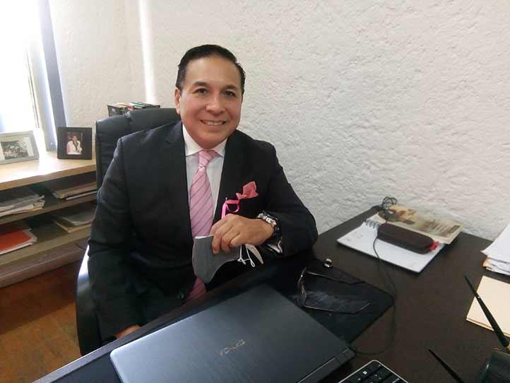 Ángel Luis Parra Ortiz, académico de la Facultad de Derecho, pidió un voto de confianza para las instituciones