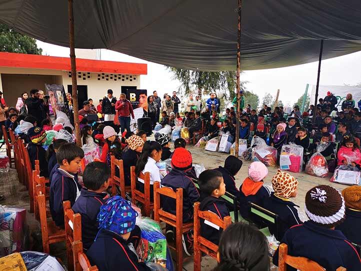 """La campaña """"Apadrina una carta"""" ha beneficiado a más de tres mil niños"""