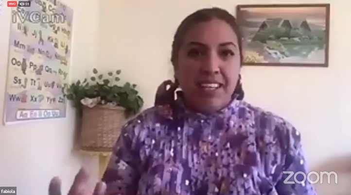 Los adultos mayores desplazan menos su lengua originaria, sostuvo Fabiola Concepción Segundo, alumna de la Universidad de Ixtlahuaca