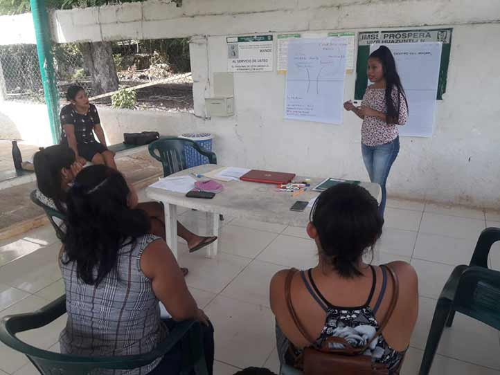La universitaria implementó 10 talleres e impulsó la rehabilitación del huerto de la Unidad Médica Rural