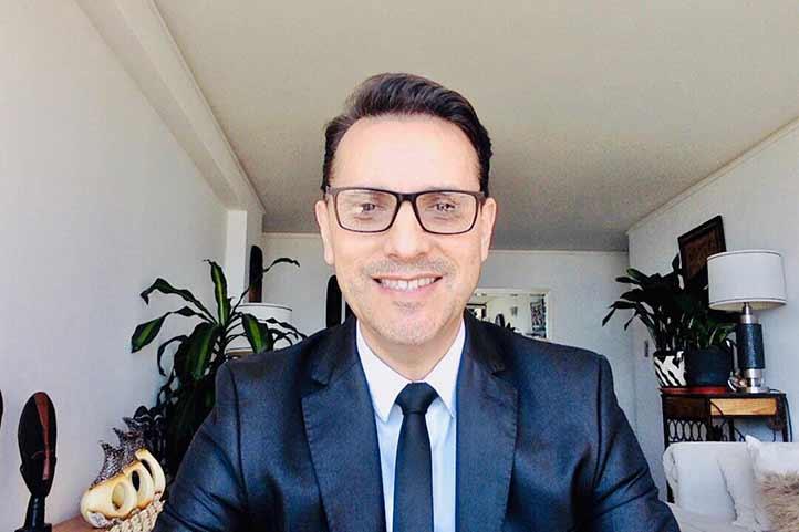 Víctor Leiva Sánchez, académico de la Pontificia Universidad Católica de Valparaíso, Chile, ofreció conferencia sobre la vida digital en la era de la información