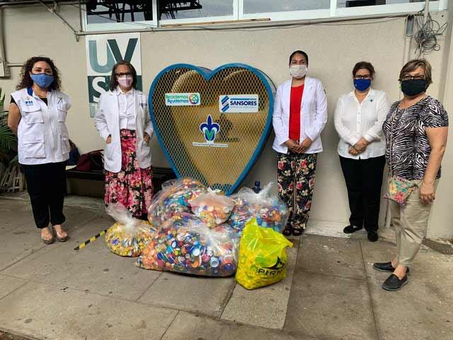 La Facultad de Nutrición recibió la donación de un corazón para la colecta de tapas PET