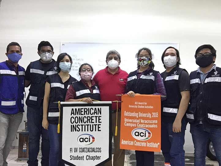 Miembros del Capítulo Estudiantil del Instituto Americano del Concreto de la Facultad de Ingeniería UV Coatzacoalcos