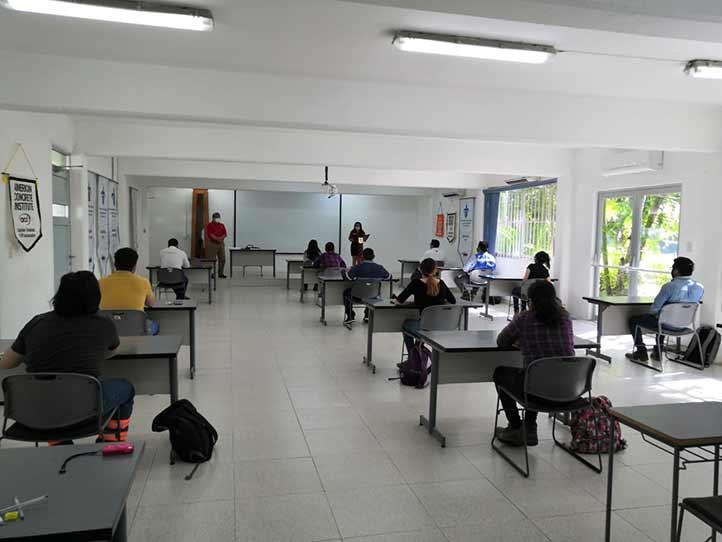 Participantes de la evaluación para la certificación de técnico en pruebas de campo-grado I