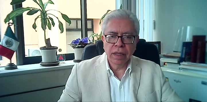 José Luis Martínez Suárez, director general del Área Académica de Humanidades, detalló el programa de Expo Orienta UV 2021