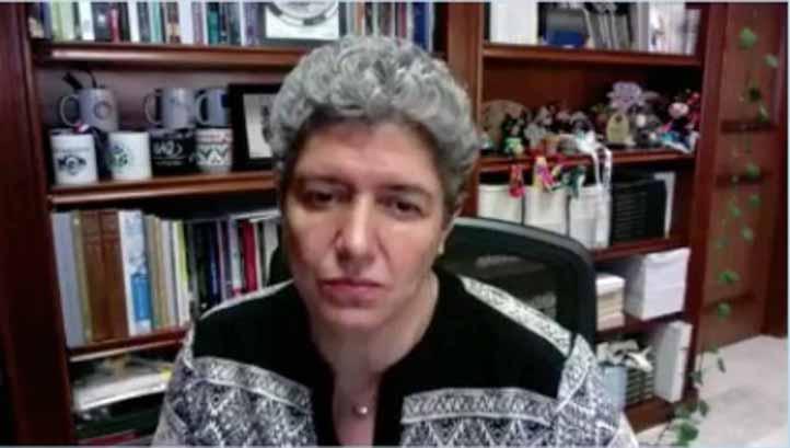 Teresa García lamentó que este anteproyecto, en el fondo, sea centralista, autoritario e impositivo