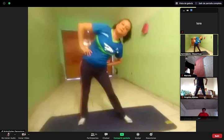 La instructora Lisbet Osorio está al frente de los cursos de yoga