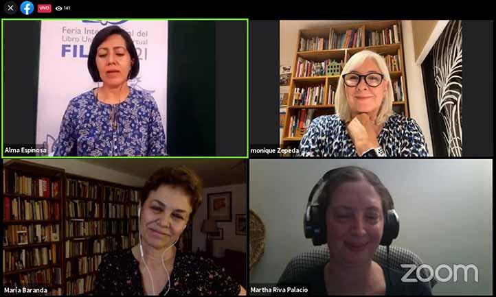 Alma Espinosa, Monique Zepeda, María Baranda y Martha Riva Palacios durante el conversatorio