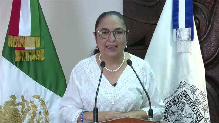 La rectora Sara Ladrón de Guevara dirigió un mensaje en el Especial de Egresados UV