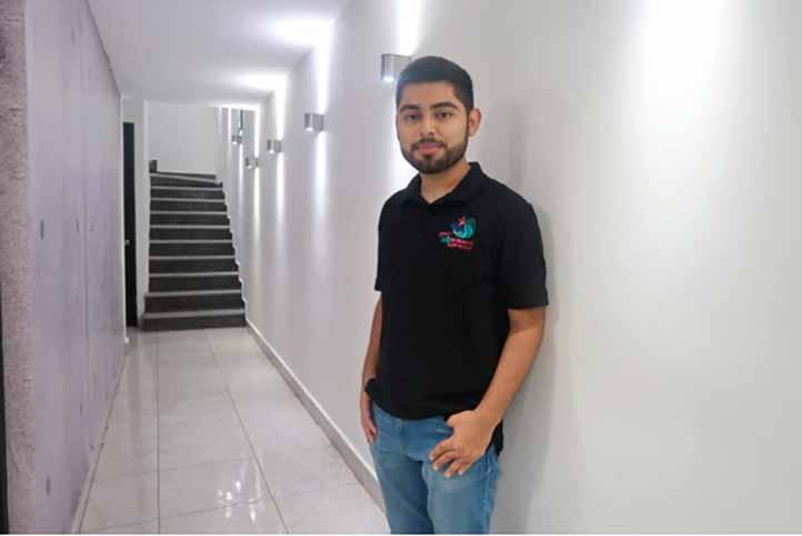 Eduardo Abimelec Méndez Mirón, estudiante de la Facultad de Administración en la UV