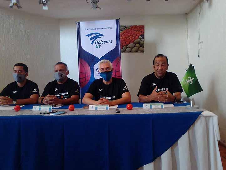 Se fortalece la Academia de Basquetbol de Halcones UV Xalapa