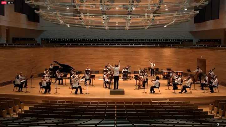 La parte artística, en video, estuvo a cargo de la Orquesta Sinfónica de Xalapa