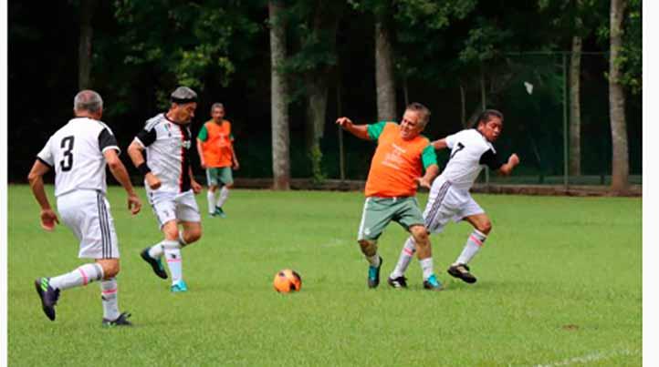 Se reanudó el futbol de veteranos de la Liga Premier de la Fundación UV