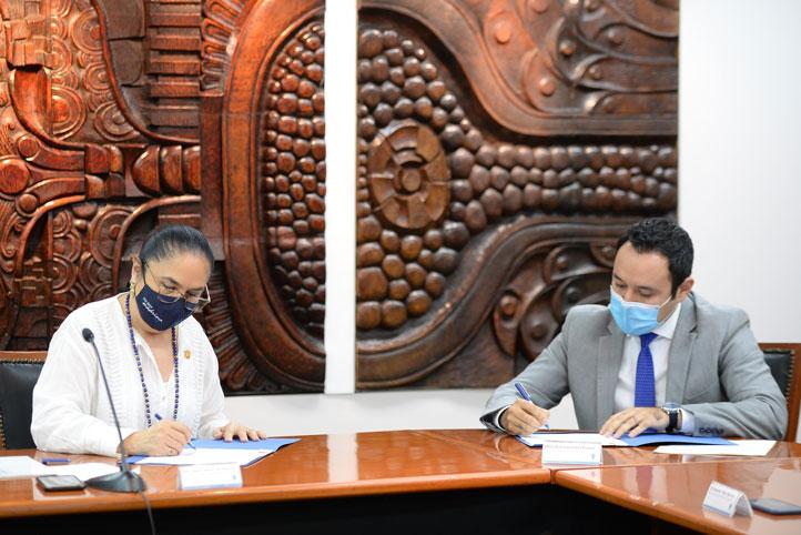 Las autoridades universitarias y gubernamentales coincidieron al expresar que el convenio beneficiará la formación y desarrollo laboral de los estudiantes