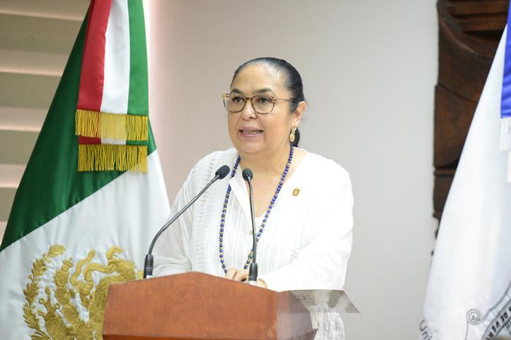 Sara Ladrón de Guevara dijo que esto abre una importante puerta a los estudiantes y egresados de la Licenciatura en Contaduría