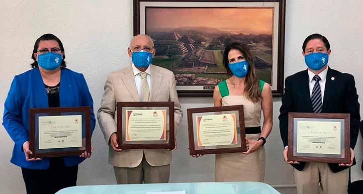 El PE de Ciencias de la Comunicación, en sus dos modalidades, recibió por primera vez la acreditación internacional y la reacreditación nacional