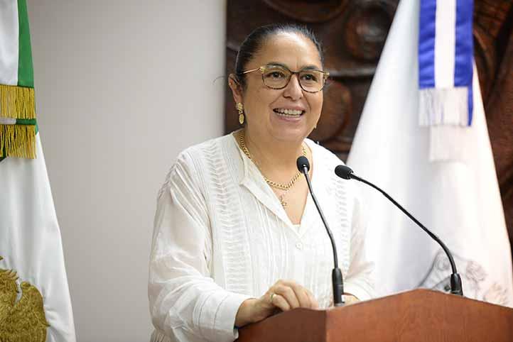 La rectora Sara Ladrón de Guevara expresó que la certificación de calidad de los PE fue gracias al trabajo comprometido de todos los universitarios