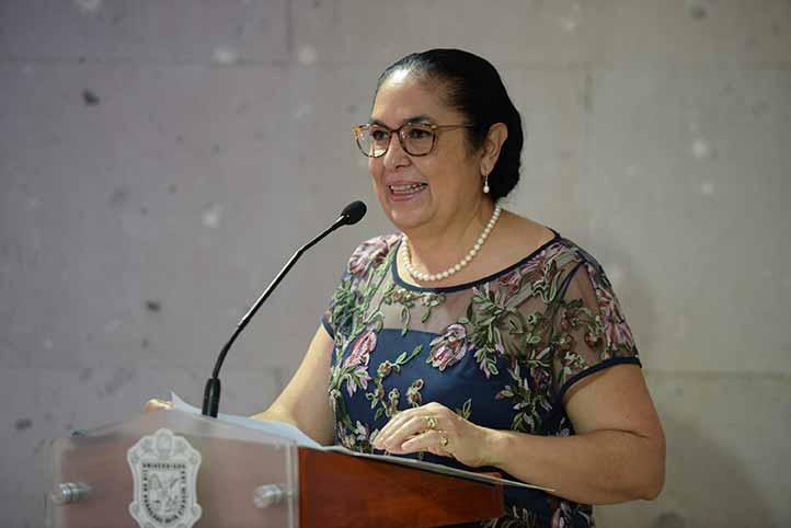 La rectora Sara Ladrón de Guevara destacó que el concurso estimula la creatividad de las y los estudiantes y la importancia de la divulgación científica