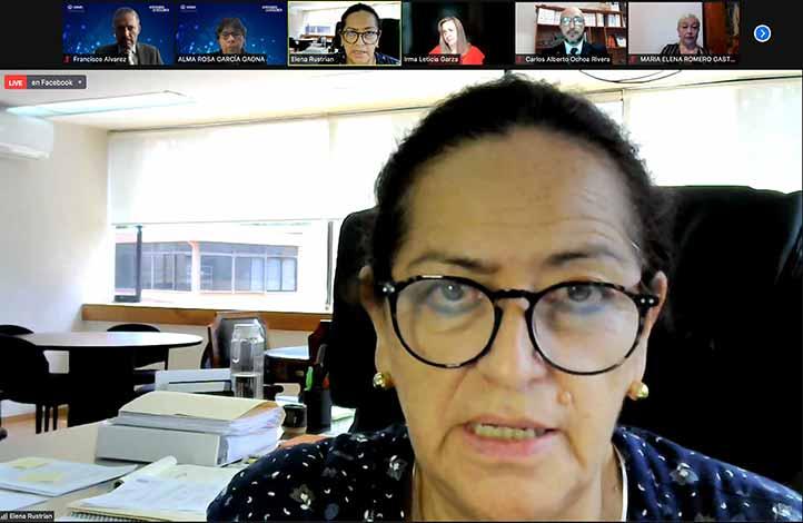 Elena Rustrián, secretaria Académica de la UV, destacó el compromiso con la calidad de la institución al acreditar sus programas educativos