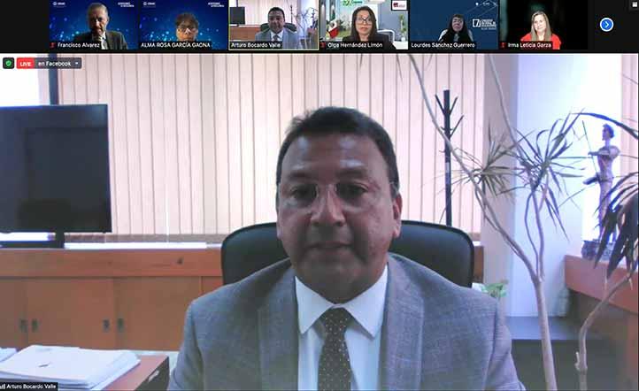 Arturo Bocardo, director general del Área Académica Económico-Administrativa, dijo que para la UV fue una doble celebración