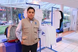 """""""Si adquieren aquí sus productos es garantía de una compra original y de calidad"""": René Rivera"""